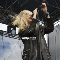 Taylor Momsen of The Pretty Reckless at Fort Rock 2017